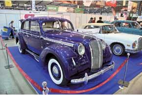 Роскошный Opel Admiral 1938 года приехал в составе делегации днепропетровского клуба «МАРК».
