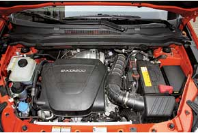 Турбодизельные двигатели обычно выбирают за их экономичность. НоKorando с мотором мощностью 175л.с. и тягой 360 Нм демонстрирует также быструю езду.