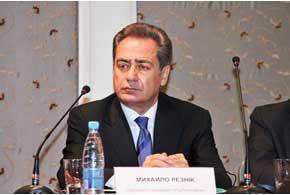 Михаил Резник