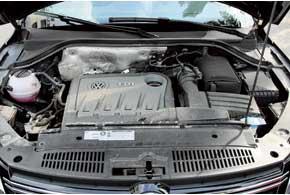 В данном тандеме мотор очень сбалансирован, нет и намека на турбояму. АКПработает быстро.