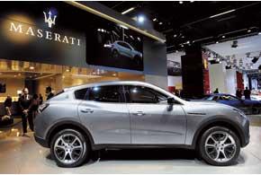 Первый концепт SUV по имени Kubang, созданный в ателье ItalDesign, презентовали в Детройте в2003году.