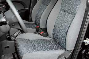 Большинство тест-драйверов отмечают,  что смогли удобно устроиться на сиденьях.