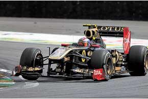 Две десятки: Виталий Петров закончил на десятом месте и Гран-при Бразилии, ивесь сезон.