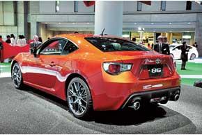 Заднеприводное купе, разработанное совместно сSubaru, получило название 86.