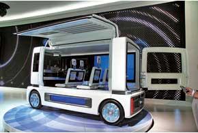 Микроавтобус будущего – Daihatsu FC Sho Case на топливных ячейках, в которых не используются драгоценные металлы.