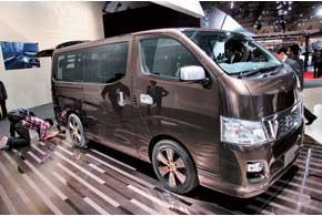 Главная особенность нового фургона Nissan NV350 – запуск стартера не ключом, а кнопкой на панели.