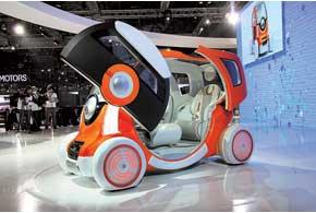 Q-концепт – нечто среднее между автомобилем и мотоциклом.