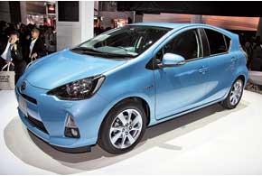 Новое поколение серийного гибридного авто в Японии будет носить имя Aqua, вдругих странах – Prius C.