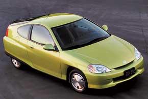 Honda Insight – первый массовый гибрид марки. Ее и сегодня можно встретить на улицах американских городов.