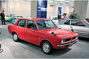 Семейный седан Honda 1300 комплектовали мотором SOHC 1,3 с воздушным охлаждением, который вскоре стал культовым. Машина неплохо продавалась в Европе.