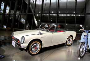 С появлением модели S500 мир узнал об автомобилях марки Honda. Легкий компакт-