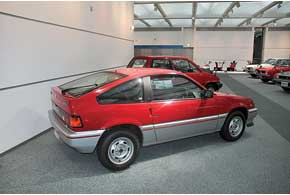 Спортивная версия Civic – компактный CRX до сих пор ценится уфанов марки за высокие драйверские качества и надежность.