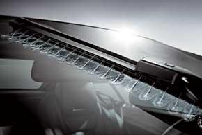 Система Magic Vision Control – это обогреваемые стеклоочистители со множеством отверстий на корпусе дворников, чтопозволит более эффективно очищать лобовое стекло, а также расходовать меньше жидкости.