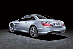 Новое поколение Mercedes-Benz SL с легким алюминиевым кузовом возвращает нас на 60 лет назад, когда появился первый SL из «крылатого металла».