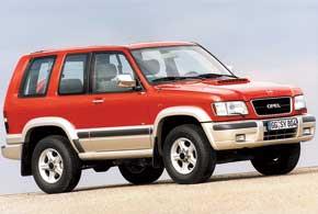 Дебютировал полноразмерный внедорожник Opel Monterey, который предлагался с 3- и 5-дверным кузовом идвумя размерами колесной базы.