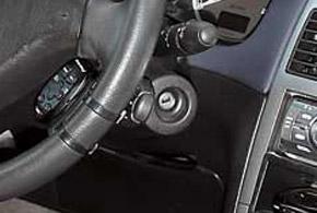 Нередко в «307-х» приходит в негодность блок подрулевых переключателей. Как правило, дает сбои в работе переключатель поворотов.