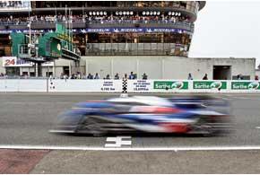 В последний день подачи заявок на участие в Чемпионате FIA WEC (World Endurance Championship) заводская команда Peugeot объявила об уходе из гонок на выносливость, жемчужиной которых является марафон 24 часа Ле Мана.