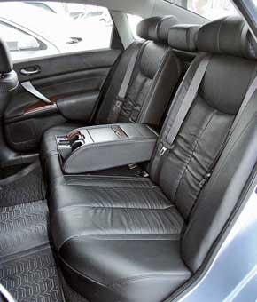 Тест-драйв Nissan Teana и Toyota Camry