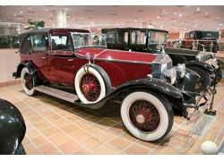 Роскошный Rolls-Royce Phantom I скузовом Sedanca de Ville и рядным 6-цилиндровым мотором объемом 7,7 литра.