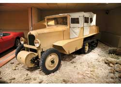 Citroёn AC4 с гусеничным приводом Кегресса был создан для африканской экспедиции.