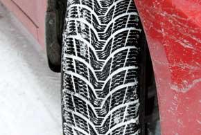 На зиму установили шины Premiorri ViaMaggiore размерностью 195/65R15 вместо 185-х. Этодобавило около 6мм дорожного просвета.