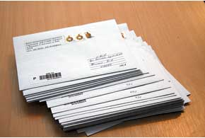 Законопроектом № 5220-д предусмотрено, что «письма счастья» ГАИ должна отправлять владельцам транспортных средств в течение 5-ти дней смомента вынесения постановления обуплате штрафа.