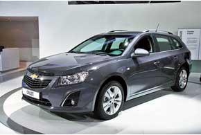 Универсал Chevrolet Cruze Station Wagon станет третьим представителем семейства после седана ихэтчбека.
