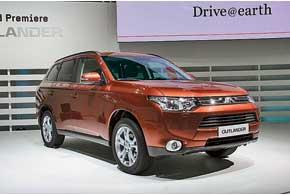 Новый Mitsubishi Outlander в Европе будет доступен с двумя 150-сильными моторами – 2,0-литровым бензиновым и 2,2-литровым дизельным.