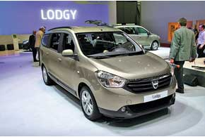 Цена на семиместный минивен Dacia/Renault Lodgy стартует вЕвропе с9900 евро...