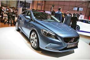 Пятидверный хэтчбек Volvo V40 заменит в гамме сразу две модели – V50 и S40.