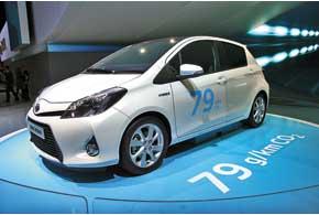 Toyota Yaris Hybrid со 101-сильным гибридным силовым агрегатом расходует в смешанном цикле всего 3,5 л/100 км.
