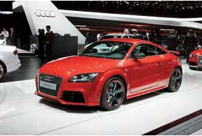 Audi A3 нового поколения первоначально  будет доступен с одним дизельным идвумя бензиновыми турбомоторами мощностью от 122 до 180 сил.