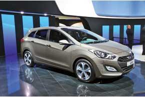 Вслед за хэтчбеком Hyundai подготовил универсал i30.