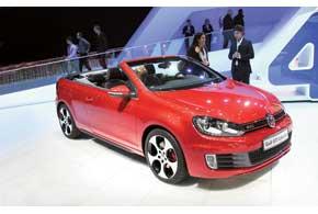 VW Golf GTI Cabrio – самый мощный серийный кабриолет марки – оборудован 210-сильным 2,0-литровым TFSI.