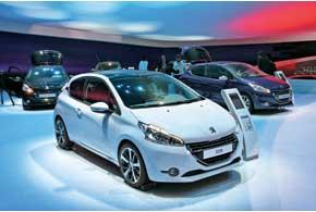 Новое семейство Peugeot 208 первоначально представлено в двух кузовах – 3- и 5-дверный хэтчбек. Наряду с обычными моделями позже ожидаются «заряженная» версия GTI и люксовый вариант.