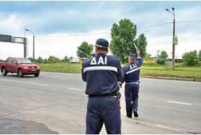 Депутаты предлагают штрафовать уже запревышение скорости на 10 км/ч (сейчас– на20км/ч), а также ввести градацию штрафов в зависимости от превышения от10до 50 км/ч.