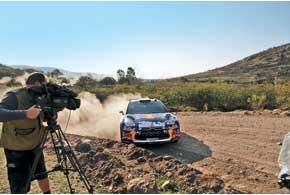 Молодой бельгиец Тьерри Невилль повине зрителей баллов не заработал, но показал великолепную скорость, даже выиграв один из СУ. Отметим, что это всего третья его гонка за рулем авто WRC.