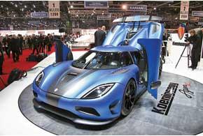 Koenigsegg AgeraR способен разгоняться до 440 км/ч. Битурбированный V8 развивает 1140л. с.