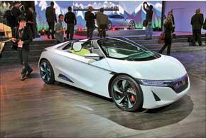 Концептуальный заднеприводный электромобиль Honda EV-STER имеет запас хода до 160 км.