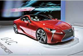 Lexus LF-LC Concept имеет посадочную формулу 2+2 игибридный привод.