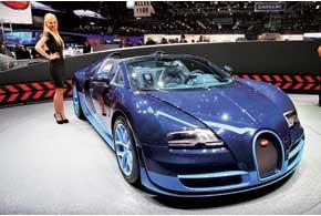 Bugatti Veyron 16.4 Grand Sport Vitesse – самый мощный родстер в истории компании. Его 7,9-литровый W16 развивает 1200л.с. и 1500 Нм. Всего будет изготовлено 350 экземпляров.