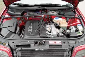 В первой «четверке» плотность компоновки агрегатов не меньше, чем в новом автомобиле. Самый популярный 1,8-литровый 20-клапанный турбомотор заслужил хорошую репутацию.