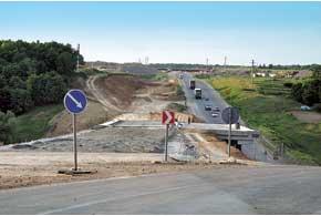 К Евро-2012 иностранные подрядчики построили не одну сотню километров качественных дорог.