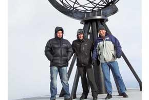 """Добраться доНордкапа, расположенного навысоте 307 метров надуровнем моря, можно и по навигатору, вбив координаты 71°10'21"""" северной широты и25°47'40"""" восточной долготы."""