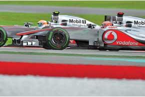 Несмотря на неудачное выступление Баттона,    McLaren после двух гонок остается лидером командного зачета. Не поверите – это    происходит впервые с 2008 года!