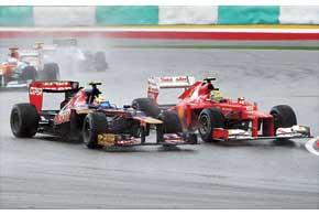 Масса выглядит как бледная тень самого себя трехлетней давности. В то время как его напарник выиграл гонку, Фелипе беспросветно застрял в середине пелотона. Неужто и впрямь егодни в Ferrari сочтены?
