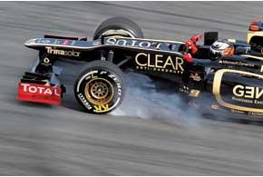 По словам Кими Райкконена, только собственная ошибка в пилотаже не позволила ему побороться за поул. В это легко поверить– ведь он не дотянул до лучшего времени всего 0,25 с. Да и в гонке Кими блеснул, став автором быстрейшего круга.