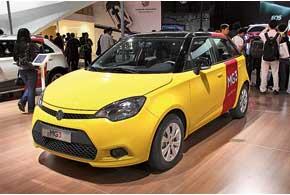 Если MG Icon (слева) пока еще концепт, то MG3 (справа) уже продается в Китае, аскоро появится ивЕвропе.
