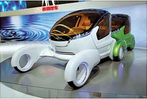 Chery @ANT – городской автомобиль будущего, который умеет коммуницировать сдругими такими же машинами, а для экономии – буксировать «сородича».