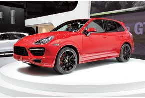 Porsche Cayenne GTS получил 4,8-литровый V8 мощностью 420л.с. и разгоняется до100 км за 5,7 с.